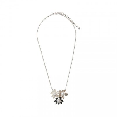 Necklace - Triple Flower