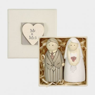 Bride & Groom Figures
