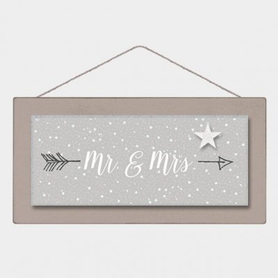 Long Wooden Sign - Mr & Mrs